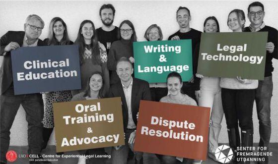 Bildet kan inneholde: sosial gruppe, tekst, samfunnet, ungdom, team.