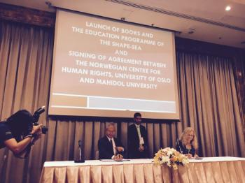 In 2016, the Nordic Institutions in partnership with Institute of Human Rights and Peace Studies (IHRP) at Mahidol University strengthened cooperation and partnership with institutions in Northeast Asia region in the field of human rights education and related research. The Regional Network Meeting on Human Rights Education in Bangkok was part of such initiatives. 50 delegates from different universities in Northeast and Southeast Asia attended the meeting.  Photo: Director of NCHR Inga Bostad and Vicepresident of Mahidol University Professor Banchong Mahaisavariya sign the agreement on human rights education and research in Southeast Asia (photo: T. Vestheim).